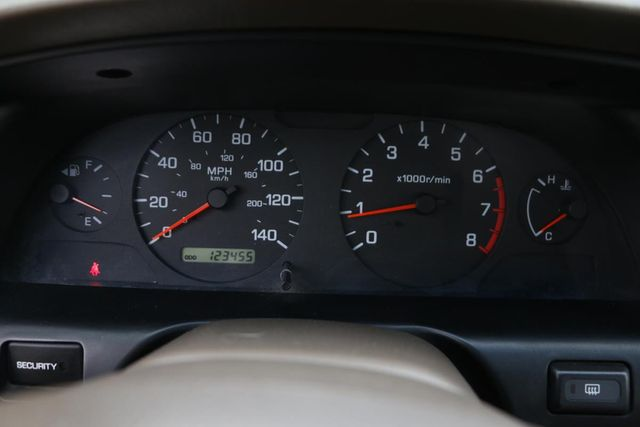 2001 Nissan Altima GXE Santa Clarita, CA 19