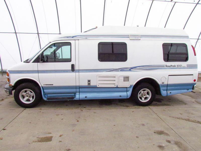 2001 Roadtrek 200 Popular  in Sherwood, Ohio