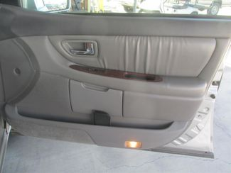 2001 Toyota Avalon XLS w/Bucket Seats Gardena, California 13