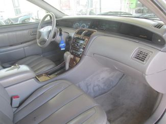 2001 Toyota Avalon XLS w/Bucket Seats Gardena, California 8
