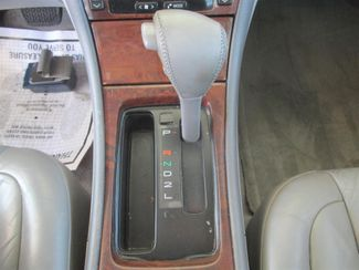 2001 Toyota Avalon XLS w/Bucket Seats Gardena, California 7