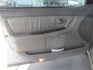 2001 Toyota Avalon XLS w/Bucket Seats Gardena, California 9