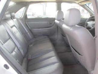 2001 Toyota Avalon XLS w/Bench Seat Gardena, California 11