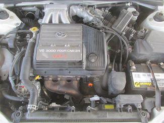 2001 Toyota Avalon XLS w/Bench Seat Gardena, California 14