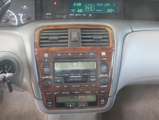 2001 Toyota Avalon XLS w/Bench Seat Gardena, California 6
