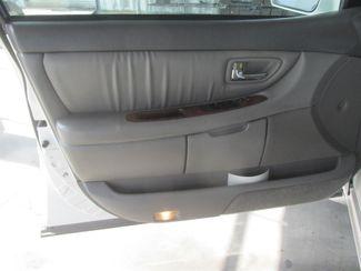 2001 Toyota Avalon XLS w/Bench Seat Gardena, California 8
