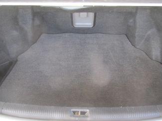 2001 Toyota Avalon XLS w/Bench Seat Gardena, California 10