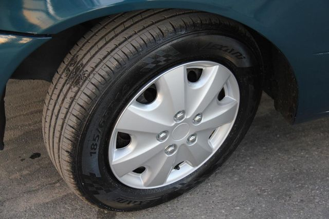 2001 Toyota Corolla LE Santa Clarita, CA 23