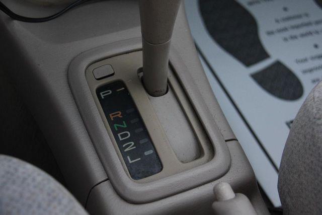 2001 Toyota Corolla LE Santa Clarita, CA 22