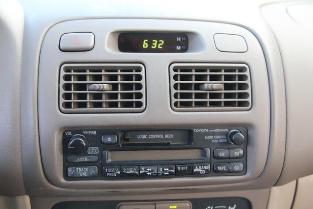 2001 Toyota Corolla LE Santa Clarita, CA 19