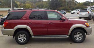 2001 Toyota Sequoia SR5 Fayetteville , Arkansas 3