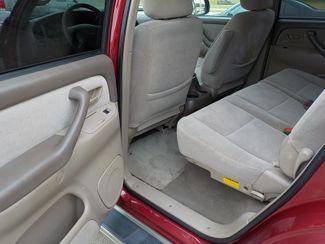 2001 Toyota Sequoia SR5 Fayetteville , Arkansas 9