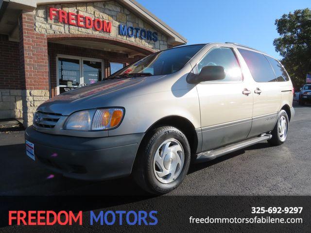 2001 Toyota Sienna LE | Abilene, Texas | Freedom Motors  in Abilene,Tx Texas