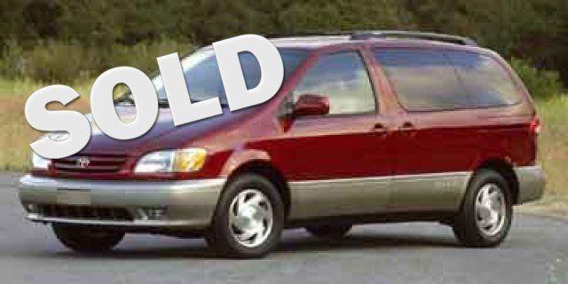 2001 Toyota Sienna XLE in Albuquerque, New Mexico 87109