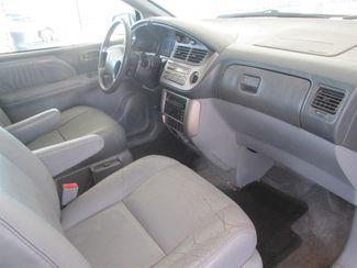 2001 Toyota Sienna XLE Gardena, California 7