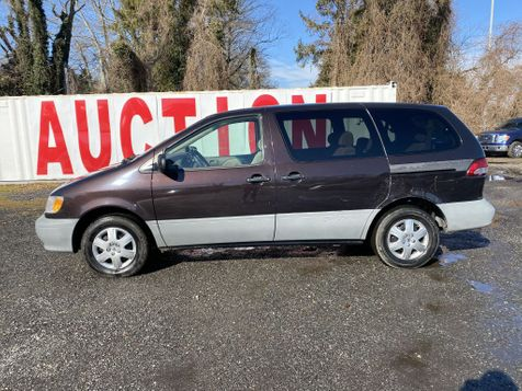 2001 Toyota Sienna CE in Harwood, MD