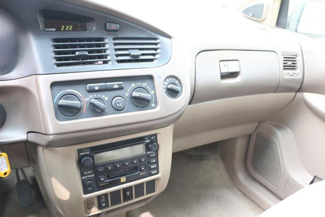 2001 Toyota Sienna LE Santa Clarita, CA 18