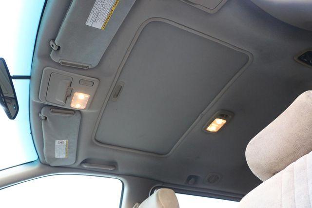 2001 Toyota Sienna XLE Santa Clarita, CA 32