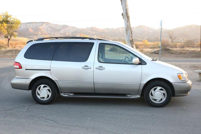 2001 Toyota Sienna XLE Santa Clarita, CA 11