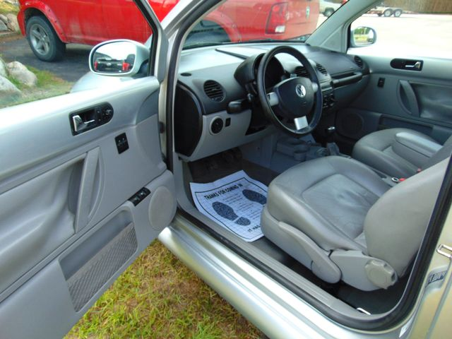 2001 Volkswagen New Beetle GLS Alexandria, Minnesota 11