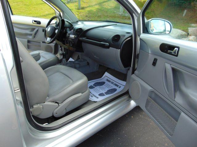 2001 Volkswagen New Beetle GLS Alexandria, Minnesota 24