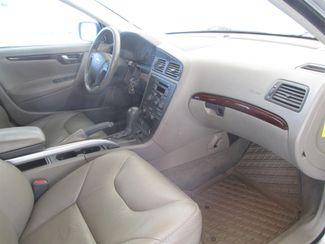 2001 Volvo V70 Gardena, California 8