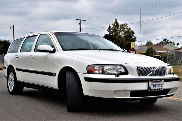 2001 Volvo V70 in Reseda, CA, CA 91335