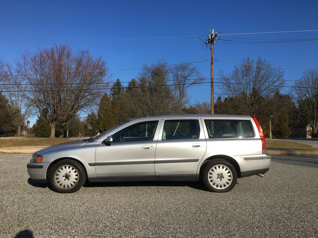 2001 Volvo V70 Wagon in West Chester, PA 19382