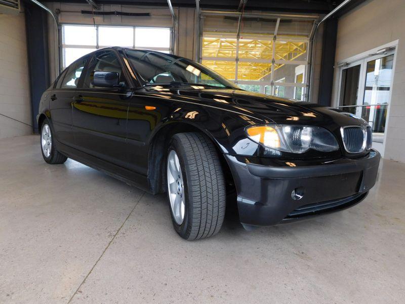 2002 BMW 325i I  city TN  Doug Justus Auto Center Inc  in Airport Motor Mile ( Metro Knoxville ), TN