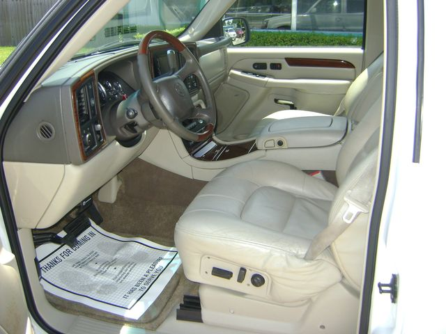2002 Cadillac Escalade LUXURY in Fort Pierce, FL 34982