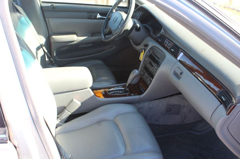 2002 Cadillac Seville Luxury SLS  city MD  South County Public Auto Auction  in Harwood, MD