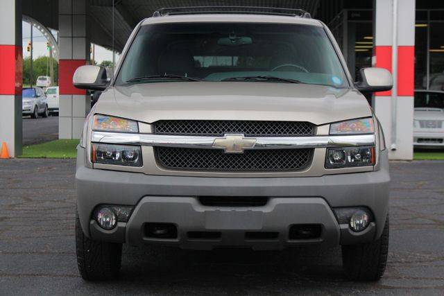 2002 Chevrolet Avalanche 2500 4X4 - 8.1L BIG BLOCK V8 - ONLY 93K MILES! Mooresville , NC 15