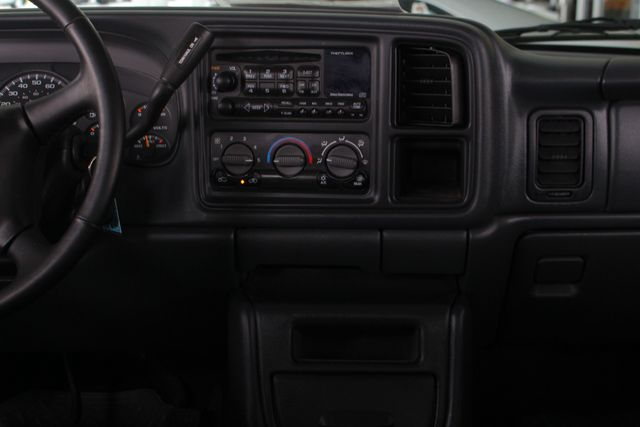 2002 Chevrolet Avalanche 2500 4X4 - 8.1L BIG BLOCK V8 - ONLY 93K MILES! Mooresville , NC 9