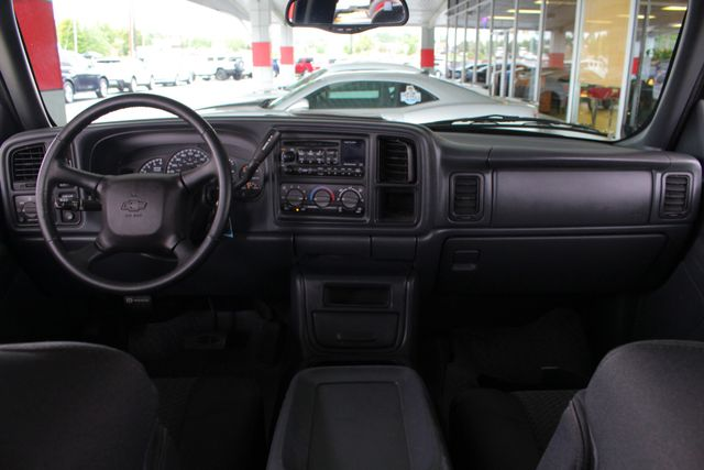 2002 Chevrolet Avalanche 2500 4X4 - 8.1L BIG BLOCK V8 - ONLY 93K MILES! Mooresville , NC 28