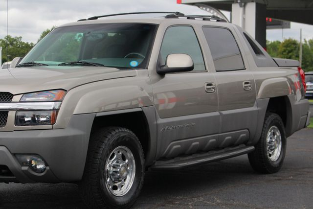 2002 Chevrolet Avalanche 2500 4X4 - 8.1L BIG BLOCK V8 - ONLY 93K MILES! Mooresville , NC 26