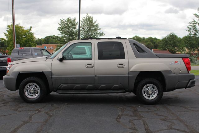 2002 Chevrolet Avalanche 2500 4X4 - 8.1L BIG BLOCK V8 - ONLY 93K MILES! Mooresville , NC 14