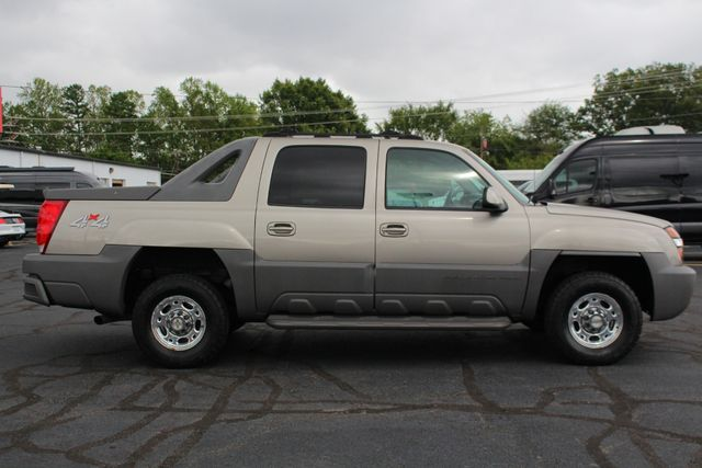 2002 Chevrolet Avalanche 2500 4X4 - 8.1L BIG BLOCK V8 - ONLY 93K MILES! Mooresville , NC 13