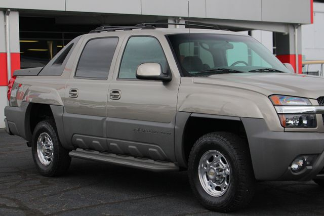 2002 Chevrolet Avalanche 2500 4X4 - 8.1L BIG BLOCK V8 - ONLY 93K MILES! Mooresville , NC 25