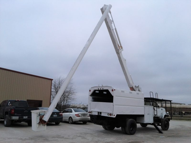2002 Chevrolet C7500 61 ALTEC FORESTRY BUCKET TRUCK  city TX  North Texas Equipment  in Fort Worth, TX