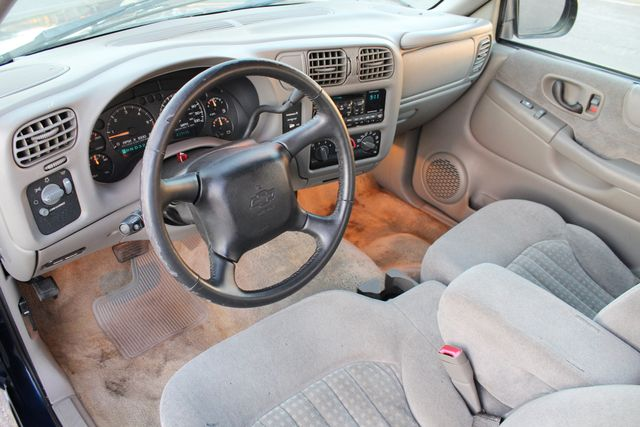2002 Chevrolet S-10 LS ONLY 77K MLS 1-OWNER SERVICE RECORDS in Woodland Hills CA, 91367