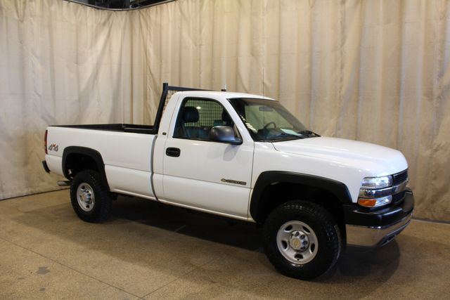 2002 Chevrolet Silverado 2500HD 4x4 Manual 5 speed long bed in Roscoe, IL 61073