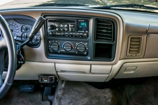 2002 Chevrolet Suburban LS in Reseda, CA, CA 91335