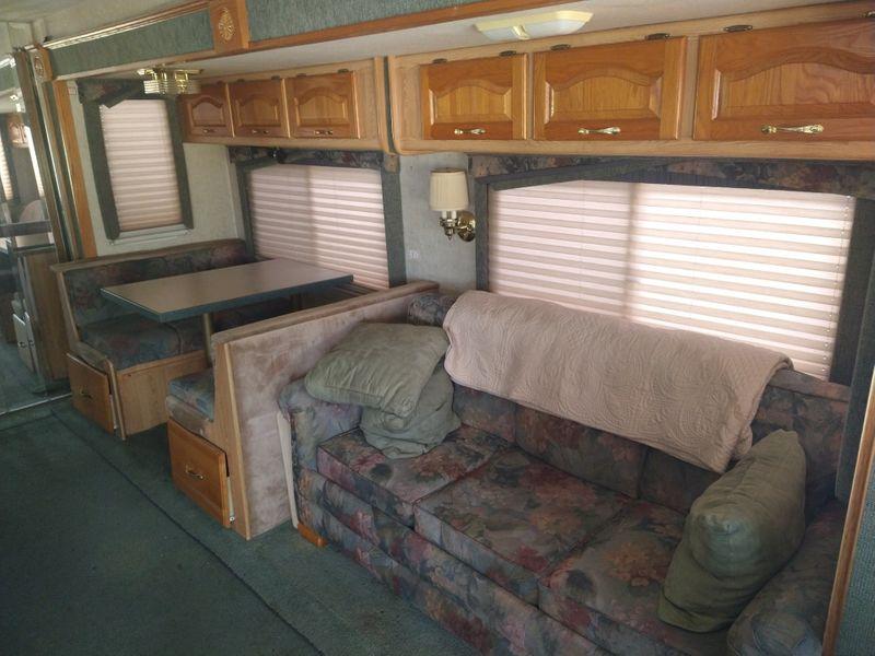2002 Damon 369   city FL  Manatee RV  in Palmetto, FL