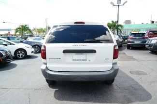 2002 Dodge Caravan SE Hialeah, Florida 4
