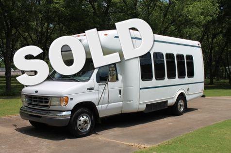 2002 Ford E450 21 Passenger Church Bus 7.3L  in Marion, Arkansas