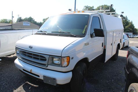 2002 Ford Econoline Commercial Cutaway E350 SUPER DUTY CUTAWAY VAN in Harwood, MD