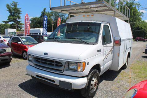 2002 Ford Econoline Commercial Cutaway E350 SUPER DUTY CUTAWAY VAN in Harwood, MD