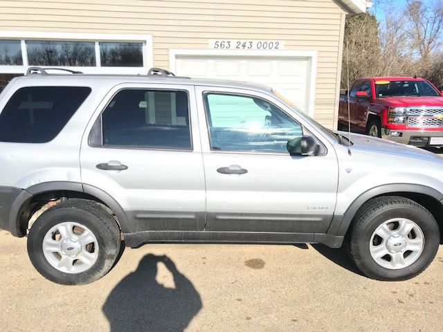 2002 Ford Escape XLT Premium in Clinton, IA 52732