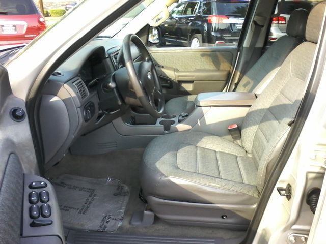 2002 Ford Explorer XLS San Antonio, Texas 8