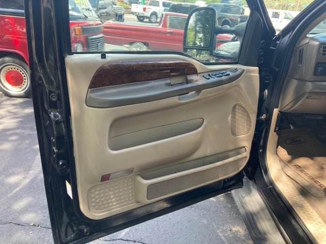 2002 Ford F250SD Lariat in Boerne, Texas 78006